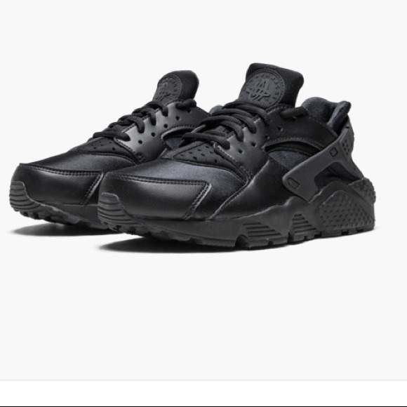 43cfccd676b4b Nike Women's Air Huarache Run Black NWT